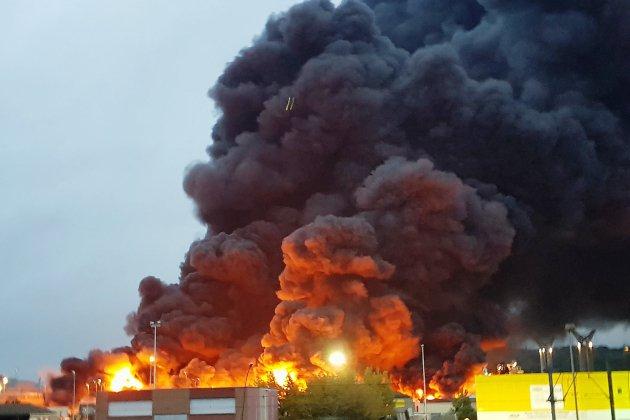 Incendie de Lubrizol : un chimiste décrypte les produits qui ont brûlé