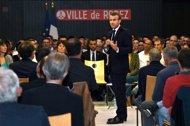 """Retraite: Macron veut une réforme qui """"construise l'avenir"""""""