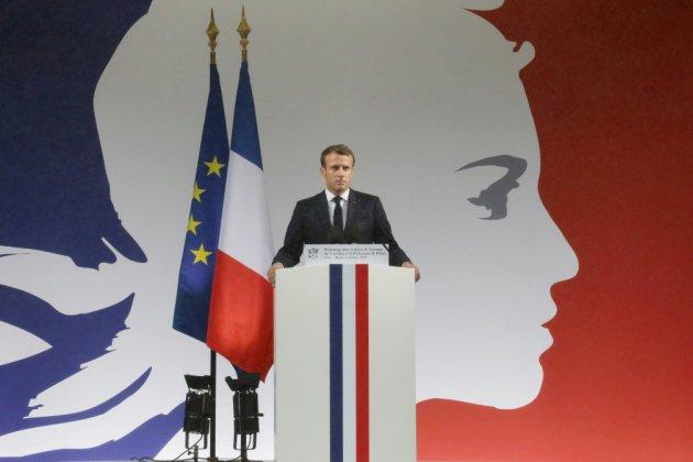 """Macron appelle les Français à """"faire bloc"""" face """"au terrorisme islamiste"""""""