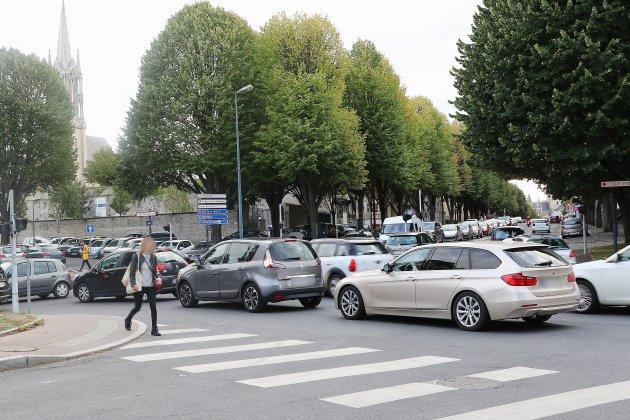 Des bouchons en série dans le centre-ville de Caen
