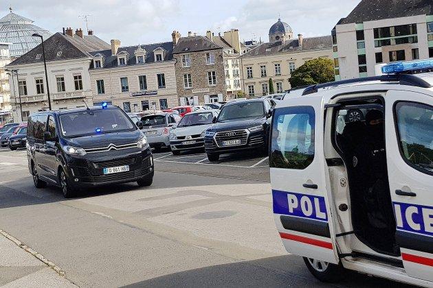 Condé-sur-Sarthe: procès sous très haute surveillance de deux détenus