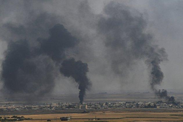 Les forces turques avancent dans les zones kurdes en Syrie, violents combats