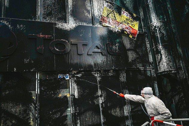 """Des militants d'Attac mobilisés contre """"l'impunité"""" des multinationales"""