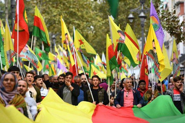 Des milliers de manifestants en France fustigent avec émotion l'offensive turque en Syrie