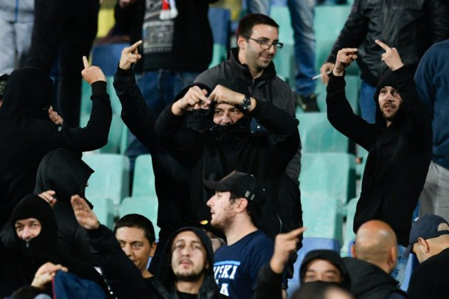 Cris racistes lors de Bulgarie-Angleterre: face au tollé, le patron du foot bulgare démissionne