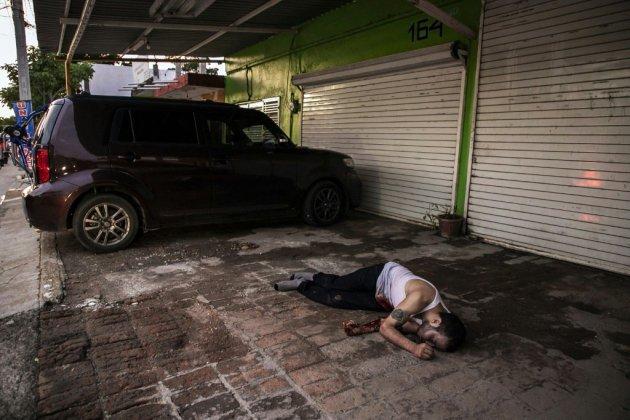 """Mexique: le président tente de se justifier après l'opération manquée contre le fils d'""""El Chapo"""""""