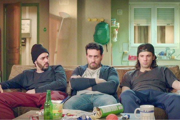Jonathan Cohen, Angèle, Pierre Niney… parodient le Bachelor