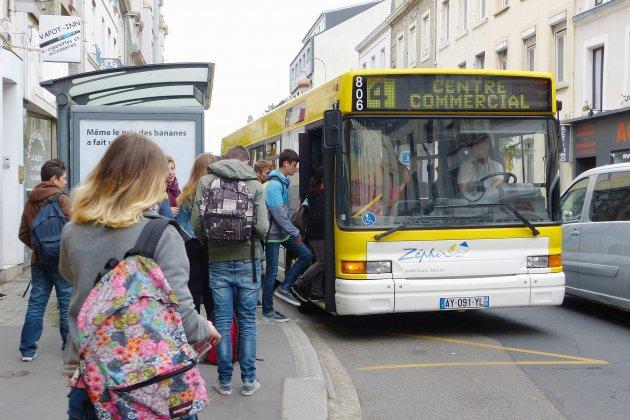 Les bus s'affichent pour sensibiliser au harcèlementde rue