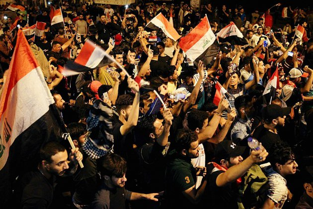 """Des milliers de manifestants à Bagdad pour réclamer """"la chute du régime"""""""