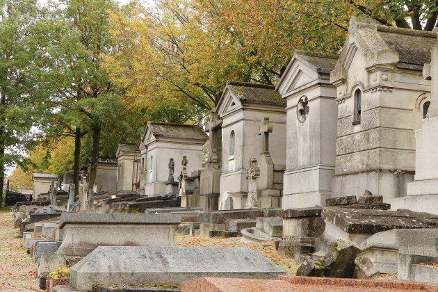 Cimetière Monumental, le Père Lachaise local
