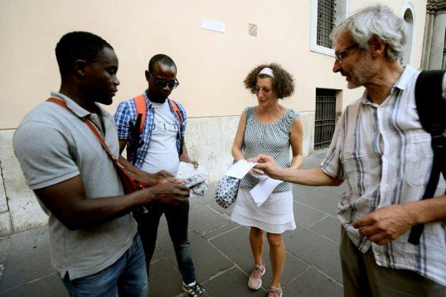 """""""Guides invisibles"""": des migrants offrent leur regard sur Rome aux touristes"""