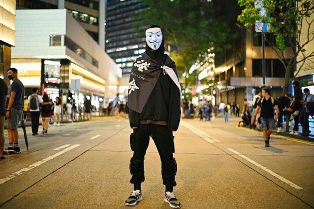 Hong Kong: l'interdiction des masques contestée en justice avant une manifestation pour Halloween