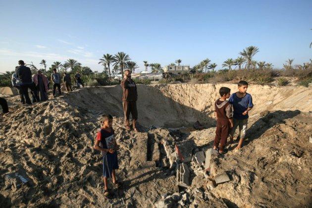 Israël frappe Gaza après des tirs de roquettes, un Palestinien tué