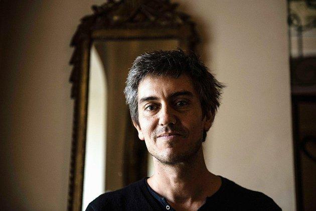 """Le romancier Sylvain Prudhomme lauréat du prix Femina pour """"Par les routes"""""""