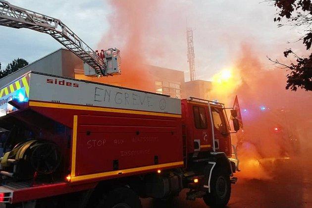 Des pompiers en colère s'invitent au Conseil d'administration du SDIS14