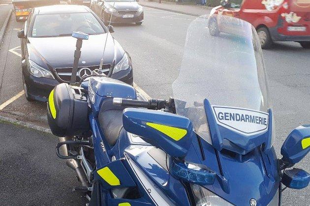 Arrêté à 200 km/h au lieu de 80 sur une route départementale