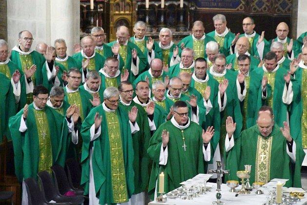 L'Eglise propose un forfait financier pour les victimes de prêtres pédocriminels