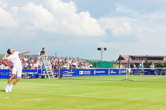 Le lawn-tennis club jette l'éponge