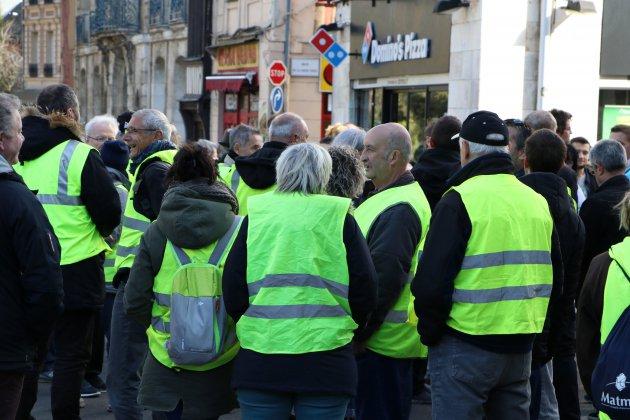 Un an des Gilets jaunes: des manifestations interdites