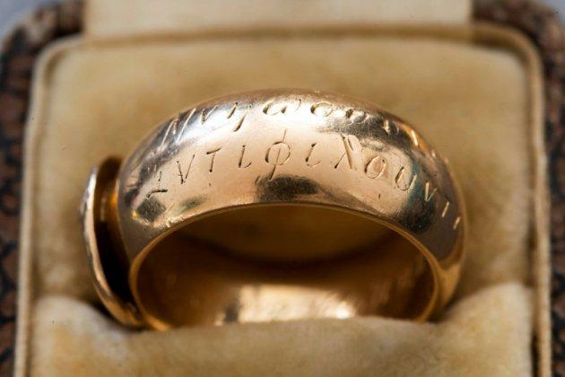 Une bague d'Oscar Wilde retrouvée 20 ans après avoir été volée