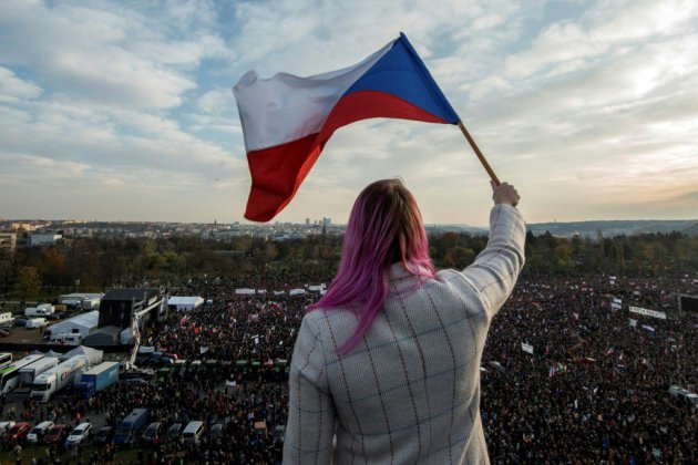 250.000 manifestants à Prague contre le Premier ministre, 30 ans après la Révolution de velours