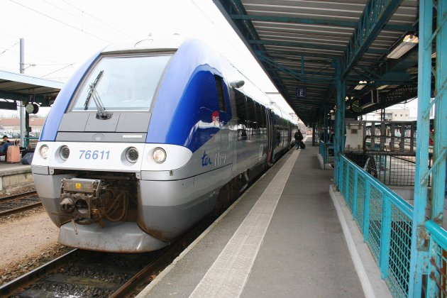 Une femme percutée par un train - Tendance Ouest