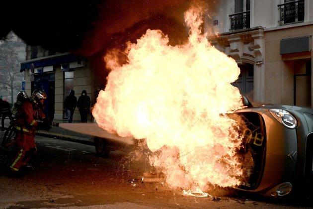"""""""Gilets jaunes"""": un mouvement """"gangrené"""" par des ultras de l'extrême-gauche"""