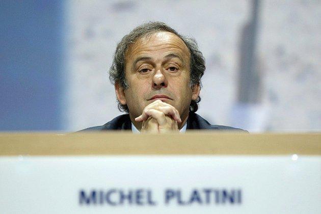 """Pour Platini, la VAR est """"une belle merde"""""""