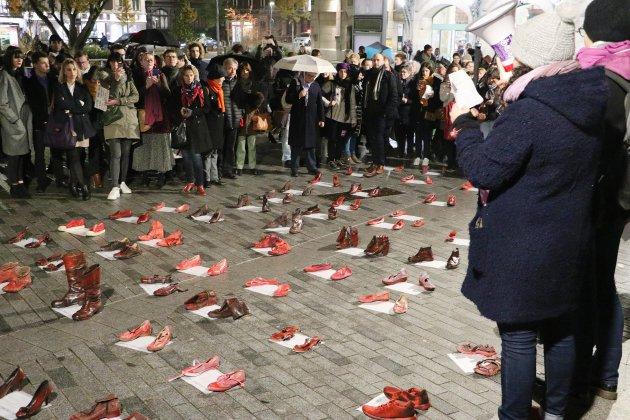 138 paires de chaussures rouges pour 138 victimes de féminicide