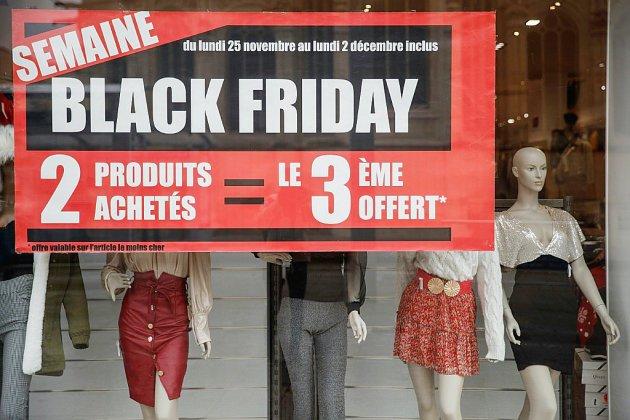 Promotions trompeuses, contrefaçon: la part d'ombre du Black Friday