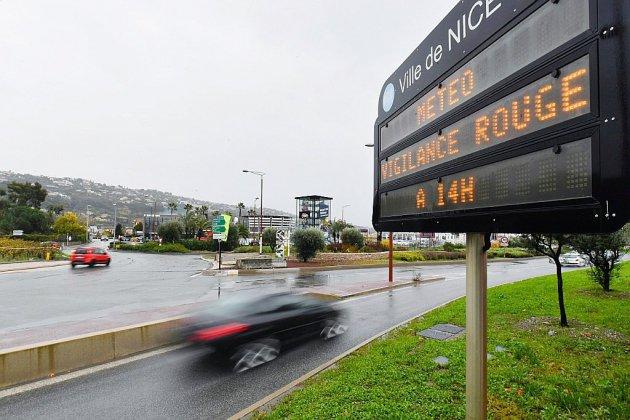 Intempéries: précautions maximales face à l'alerte rouge sur la Côte d'Azur