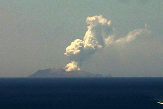 Eruption d'un volcan en Nouvelle-Zélande: cinq morts et 18 blessés