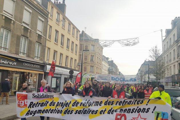 Entre 5 200 et 22 000 manifestants contre la réforme des retraites