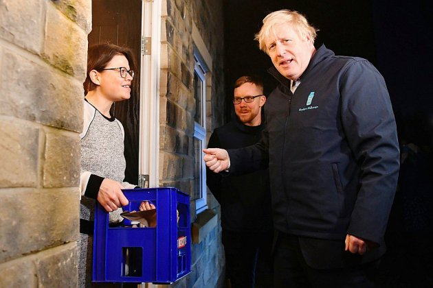 A la veille des élections, Johnson et Corbyn abattent leurs dernières cartes