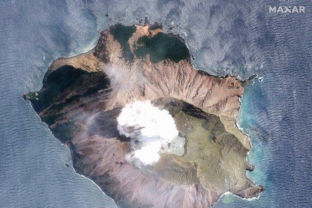 Nouvelle-Zélande: l'armée ira chercher les victimes du volcan