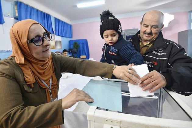 L'Algérie attend le résultat d'une présidentielle marquée par l'abstention record