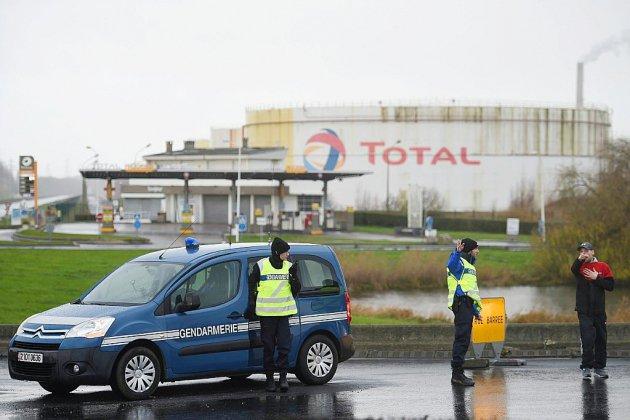 Le Havre. Le Havre: incendie maîtrisé dans une raffinerie de Total