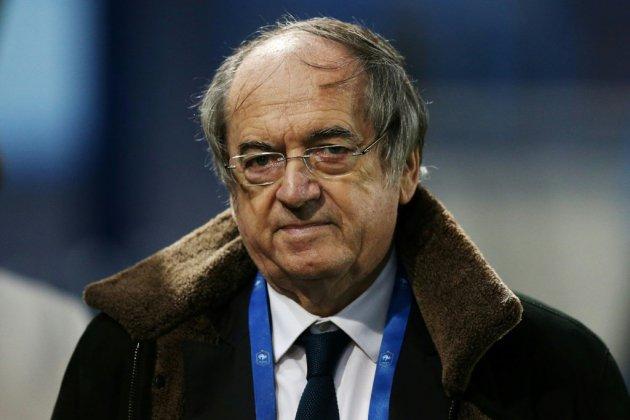 """Foot: les clubs ont """"relâché la pression"""" sur les supporters, dénonce Le Graët"""