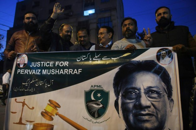 """Pakistan : l'ex-président Musharraf condamné à mort par contumace pour """"haute trahison"""""""