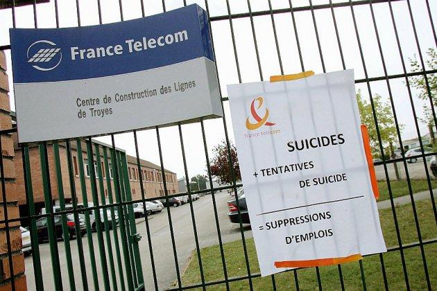 """""""Harcèlement moral"""": le tribunal rend son jugement dans le procès inédit de France Télécom"""