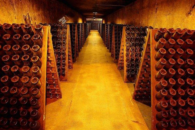 Avenue de Champagne: sous les pavés, plus de 200 millions de bouteilles !