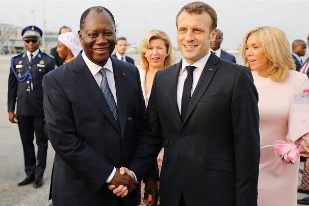 """Macron veut établir une """"relation décomplexée"""" entre la France et la Côte d'Ivoire"""