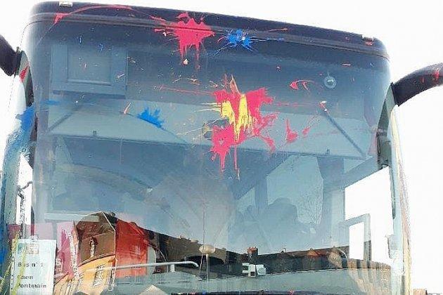 Un bus de pélerins attaqué