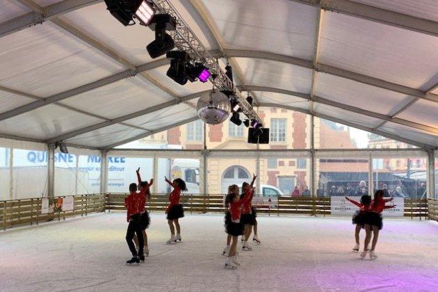 La patinoire anime le cœur de la ville