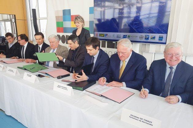 Un accord pour relancer l'économie portuaire