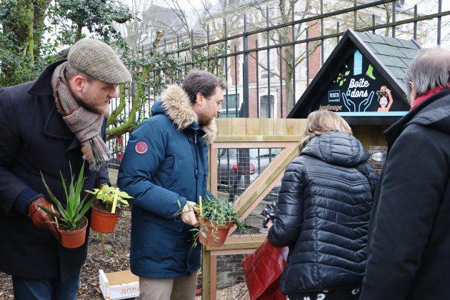 Deux premières boîtes à dons pour les jardiniers à Rouen