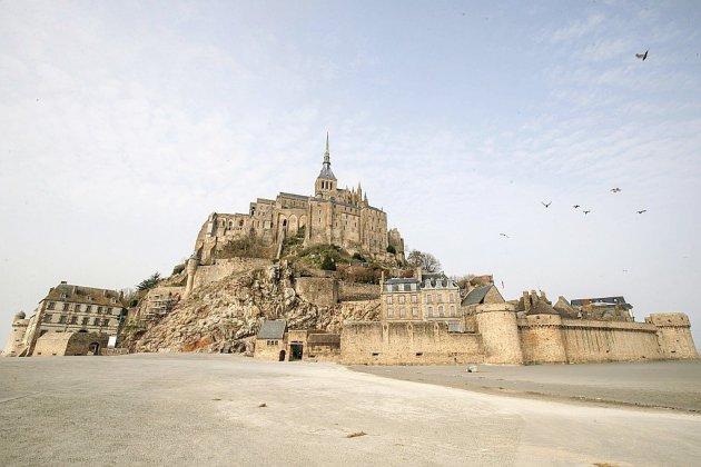 Le Mont-Saint-Michel transformé en rocher fantôme