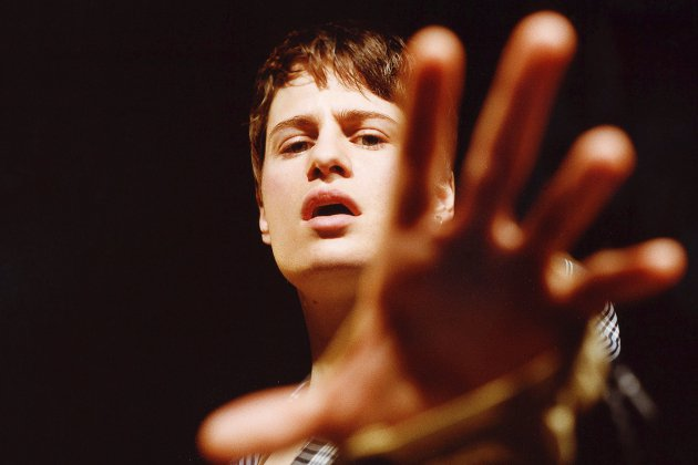 Christine And The Queens réinterprète Blinding Lights sur Instagram