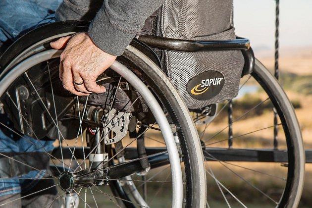 L'Association des paralysés de France auprès des personnes handicapées