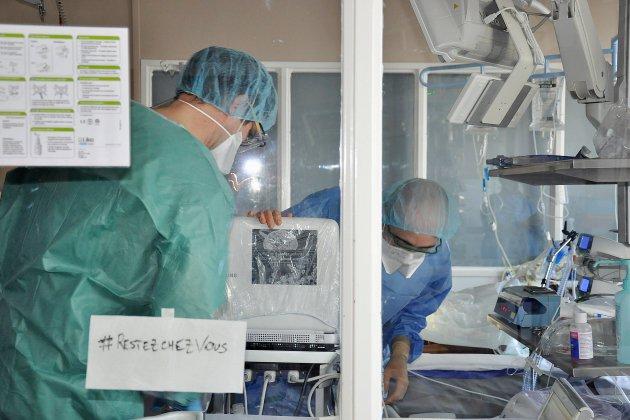 Une cinquantaine de patients positifs transférés vers la Normandie